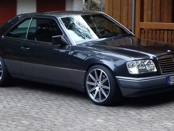 W124 E220 Coupe, 08/1993