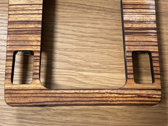 Holz Mittelkonsole abgeschliffen, fertig für das lackieren