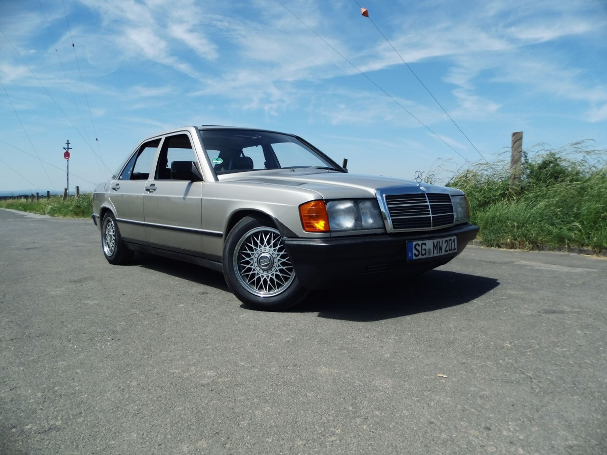 Mercedes 190 Bj 85
