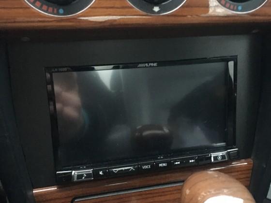 "Alpine ilx702d 7"" CarPlay Radio"