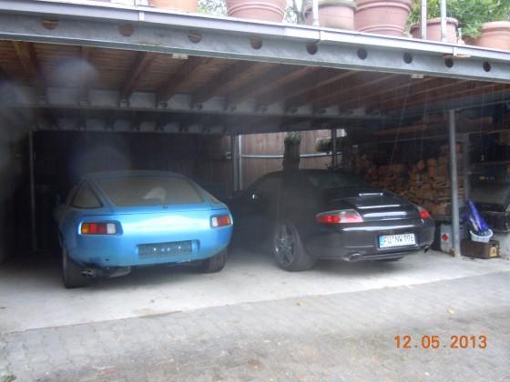Der blaue ist geblieben, der schwarze war nicht so mein Ding . (lieber R129 SL fahren)